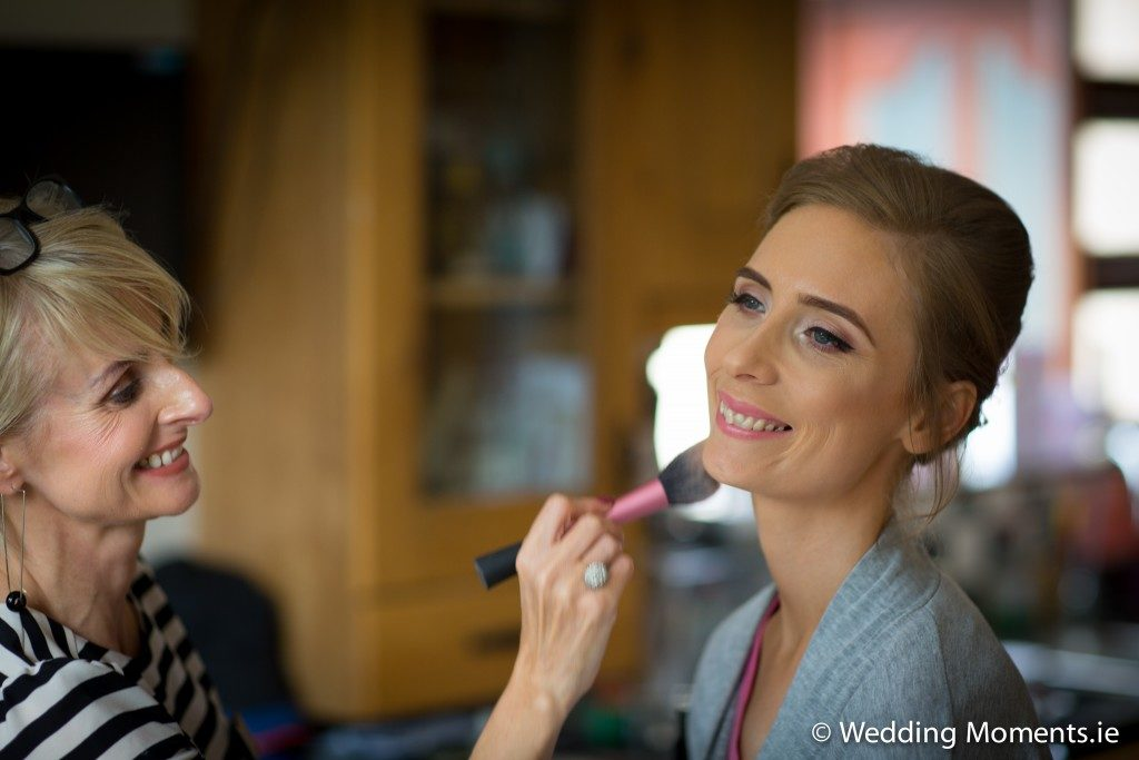 bridemaid getting her makeup by ann young beauty
